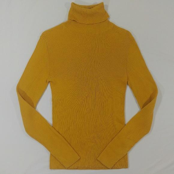 2b260a6d16aba0 Mustard yellow ribbed turtleneck knit top sz M. M 5aad2a6f739d48fb513687c4